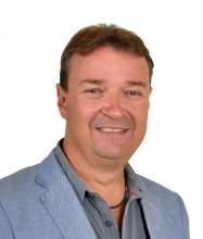 Claude Moffette, Courtier immobilier