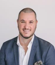 Francis Mc Kenzie, Courtier immobilier résidentiel et commercial agréé