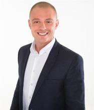 Michael Owen, Courtier immobilier résidentiel et commercial