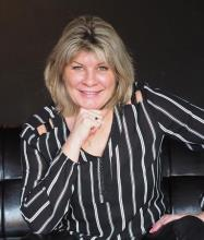 Ninon Deslauriers, Courtier immobilier