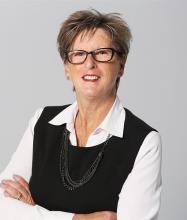 Annie Rzasa, Courtier immobilier