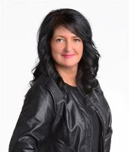 Vicky Dufresne, Courtier immobilier