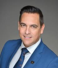 François Mackay, Certified Residential and Commercial Real Estate Broker AEO