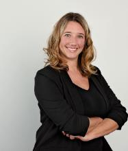 Nadine Lavictoire, Courtier immobilier