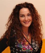 Véronique Bouchard, Certified Residential and Commercial Real Estate Broker AEO
