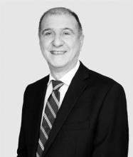 Gerardo Serapiglia, Courtier immobilier