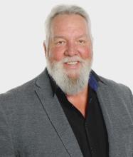 Alain Nault, Courtier immobilier résidentiel et commercial