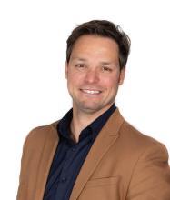 Jonathan Benoit, Courtier immobilier