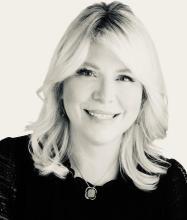 Angela Carciero, Courtier immobilier résidentiel