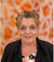 Linda Robertson, Courtier immobilier