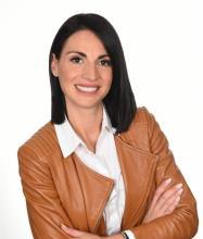 Maude Vézeau, Residential Real Estate Broker