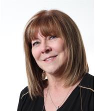 Jeanne Carpentier, Courtier immobilier