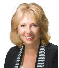 Tatiana Semenova, Real Estate Broker