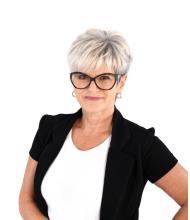 Sylvie Théroux, Courtier immobilier