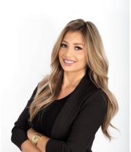 Maria Bolea, Courtier immobilier résidentiel