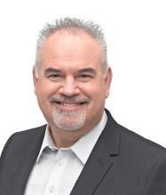 Michel Arès, Courtier immobilier