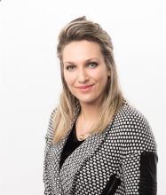 Isabelle Necsa, Courtier immobilier résidentiel