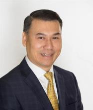 Minh Chinh Hoang, Courtier immobilier résidentiel et commercial