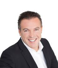Stéphane Arès, Courtier immobilier résidentiel et commercial