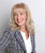 Hélène Ménard, Courtier immobilier
