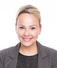 Zoë Vennes, Certified Residential and Commercial Real Estate Broker AEO