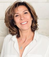 Samia Ouertani, Courtier immobilier