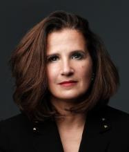 Paola Benaïm, Courtier immobilier