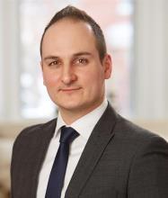 Jonathan Martinet, Courtier immobilier
