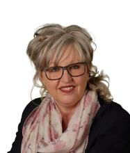 Lorraine Thériault, Residential and Commercial Real Estate Broker