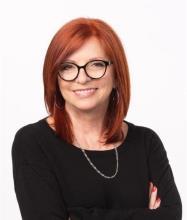 Hélène Courtemanche, Real Estate Broker