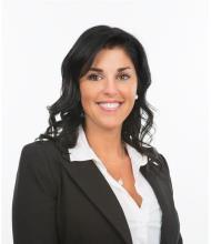Jasmine Bousquet, Courtier immobilier