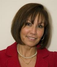Émilie Chelhot, Courtier immobilier