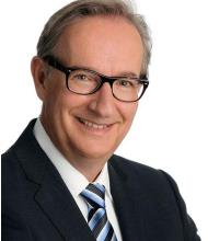 Yves Doyle, Courtier immobilier