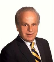 Nikolaos Mavros, Courtier immobilier