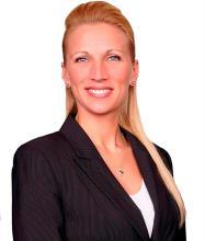 Julie Damasse, Courtier immobilier