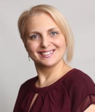 Vicky Georgiadou, Courtier immobilier agréé DA