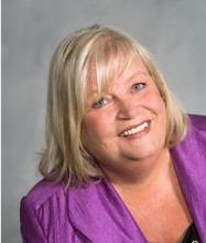 Gail Walker, Courtier immobilier