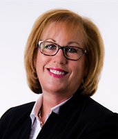 Suzanne Girard, Courtier immobilier