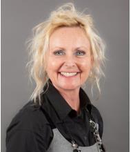 Doris Kelly, Courtier immobilier
