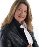 Francine Bouvet, Courtier immobilier