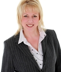 Laurie Loubert, Courtier immobilier