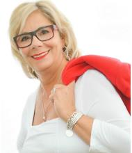 Linda Minotti, Courtier immobilier