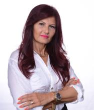 Pasqualina Ioanna, Courtier immobilier